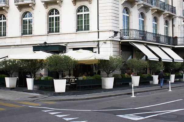 Les Bar des Bergues terrace